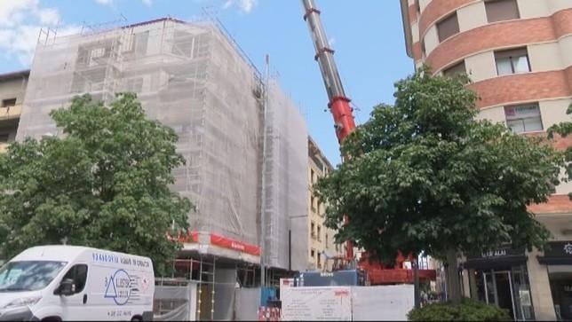Dos históricos edificios del Ensanche 'crecen' tres alturas