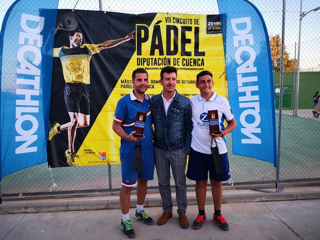 Noheda y Huerta ganan el torneo de Pádel de Villamayor