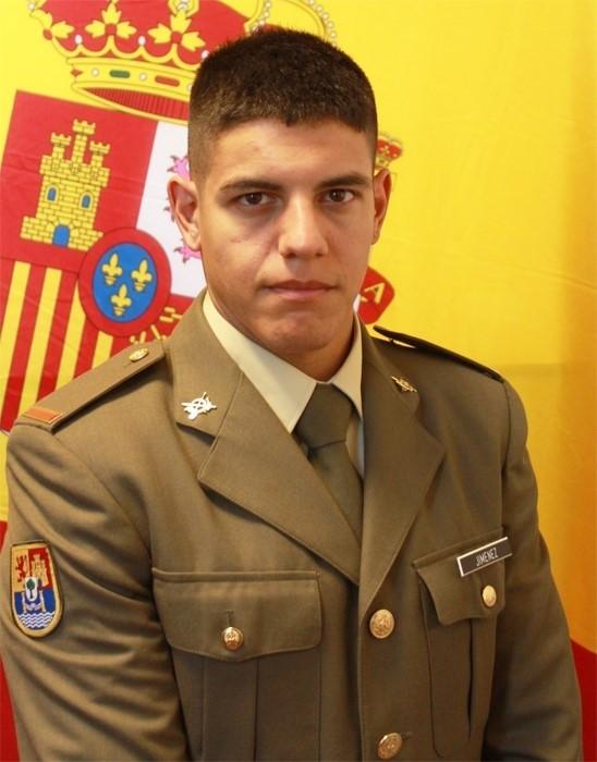 Dos soldados evitan una agresión con cuchillo en Pamplona