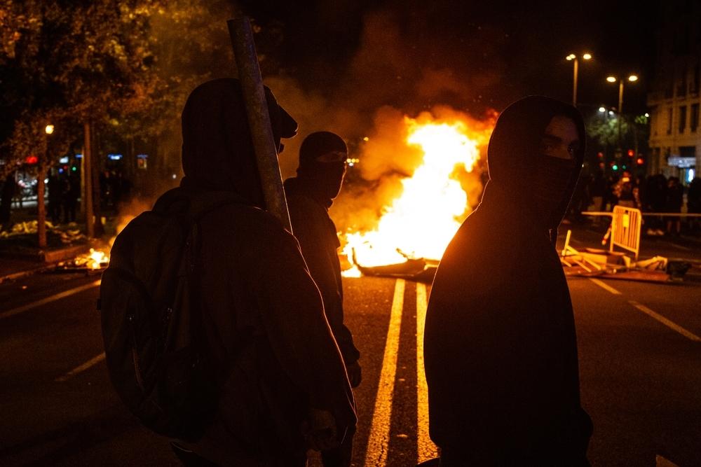 Barcelona vuelve a arder por los disturbios