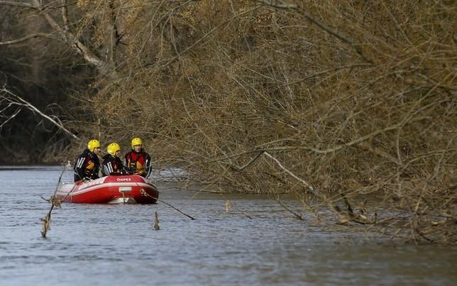 Imagen de archivo de un equipo de rescate en el Pisuerga.