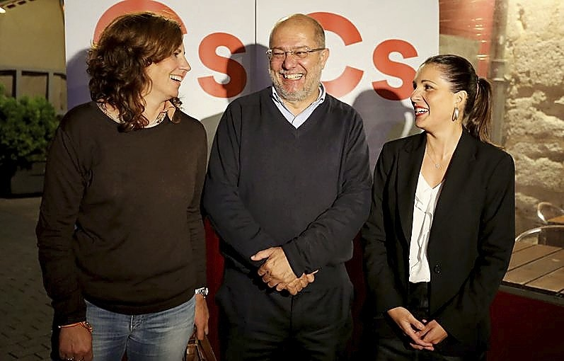 (I a d) Mónica Martín, Francisco Igea y Soraya Mayo, ayer enValladolid.