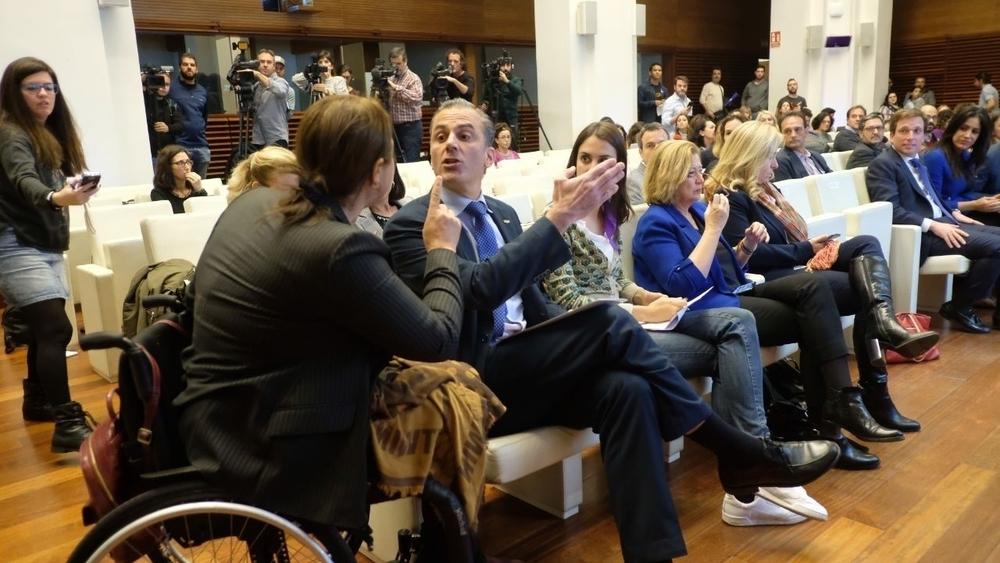 Varias mujeres se levantan contra Vox en Madrid