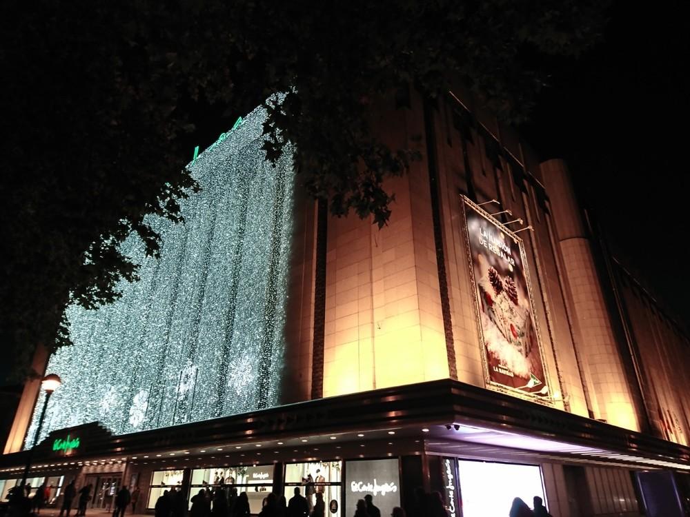 La Coral Vallisoletana ilumina la Navidad de El Corte Inglés
