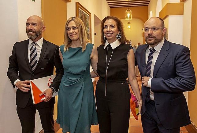 En las Cortes se jura o se promete 'sin imperativo legal'