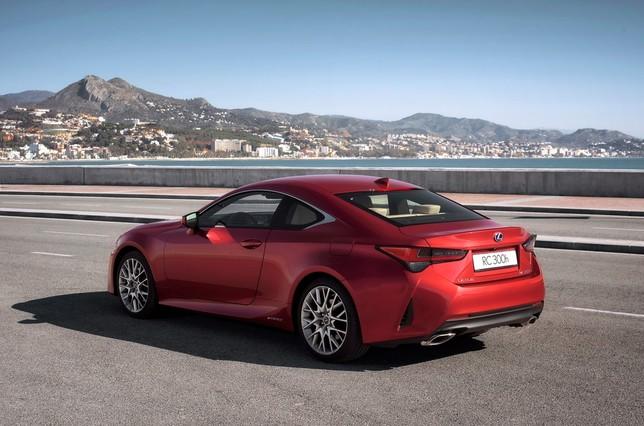 Lexus reinventa su coupé de lujo