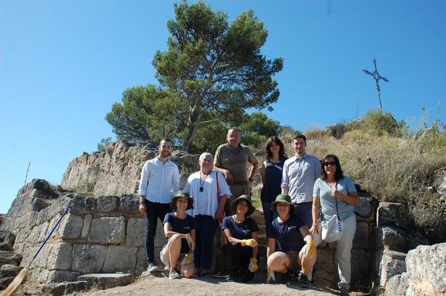 Jóvenes voluntarios recuperan el Castillo Mayor de Estella