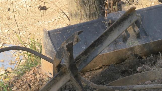 Retiradas 62 toneladas de restos y basura del cauce del Arga