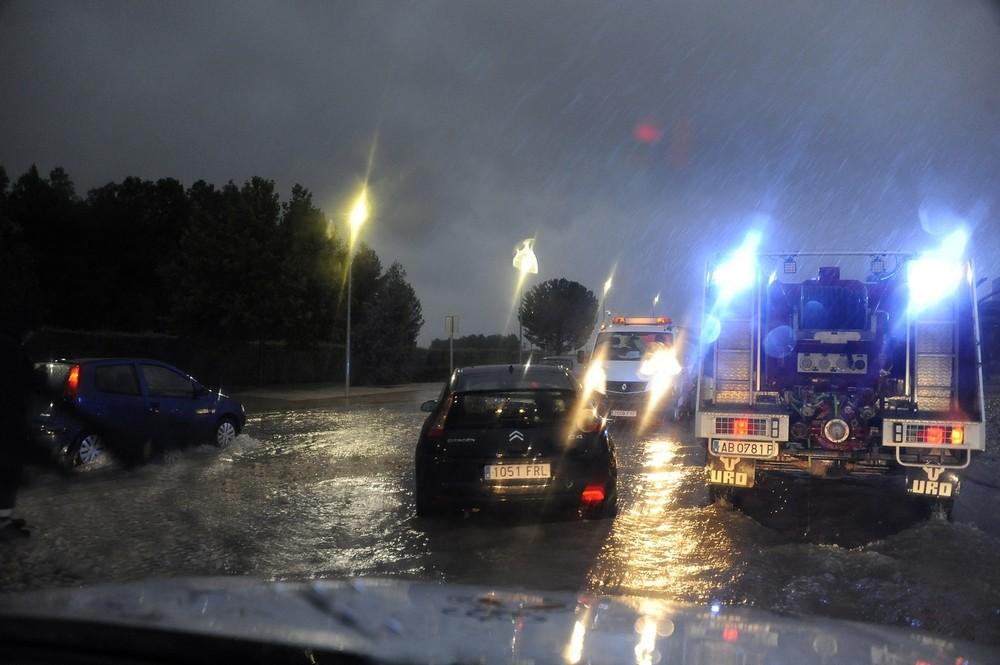 La ciudad sufre una noche de tormenta y fuertes lluvias