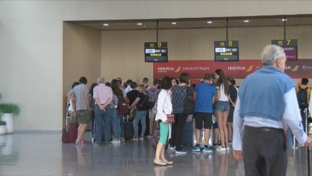 El aeropuerto de Pamplona aumenta su ritmo durante 2018