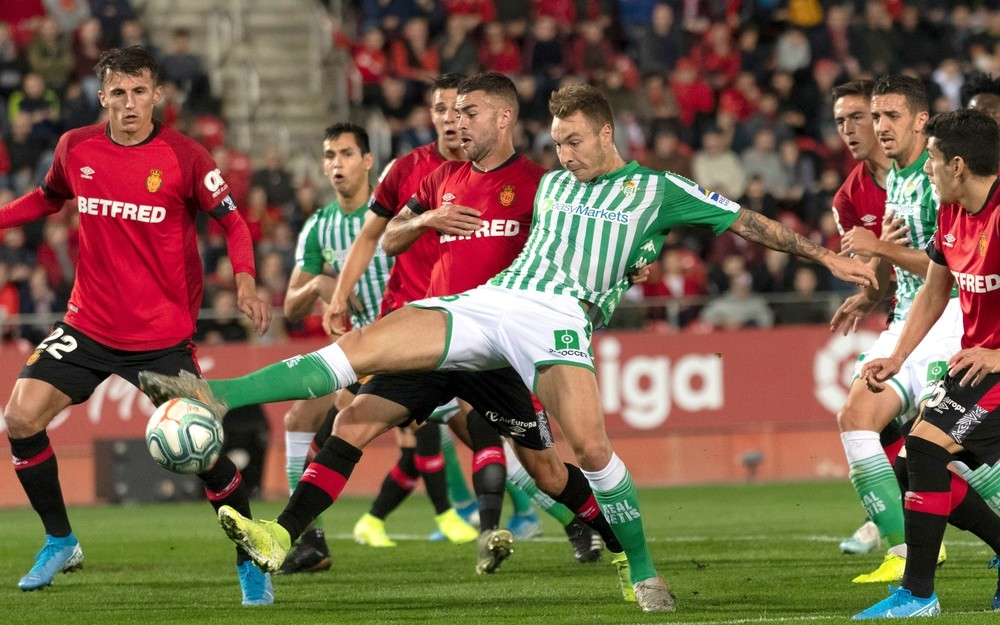 El Betis resiste en Mallorca