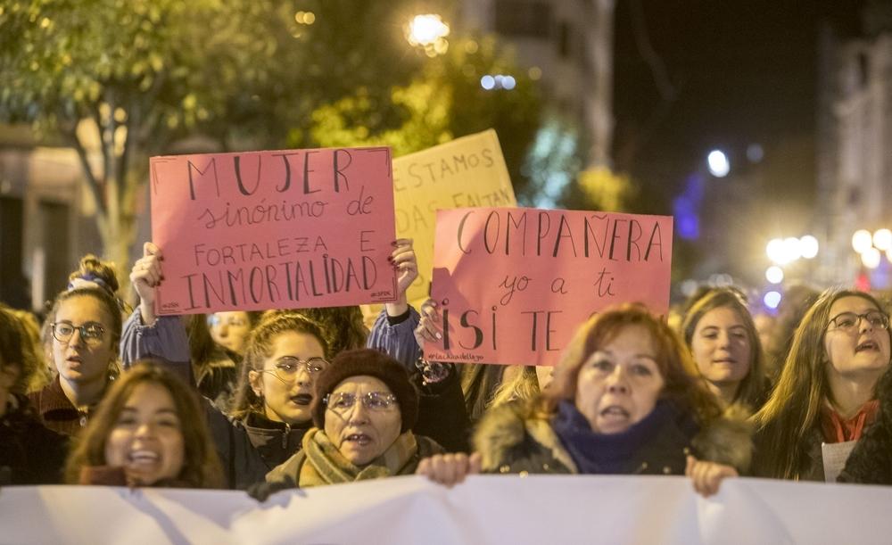 Más de mil burgaleses claman contra la violencia machista