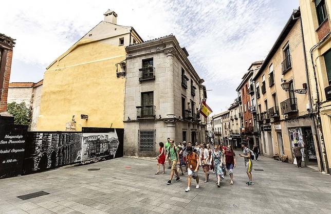 La medianera ubicada junto a la Casa del Sello desaparecerá con la edificación de SanFrancisco, 34.. / r. b. Rosa Blanco