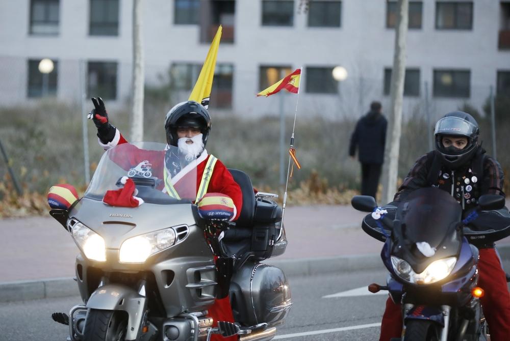 La cabalgata motera y solidaria de Valladolid.