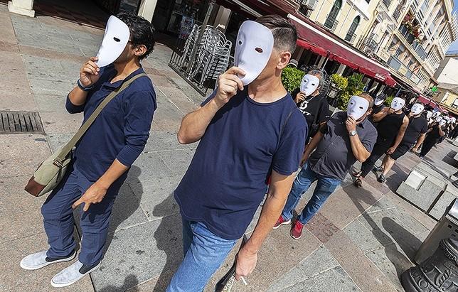 Negro sobre blanco: con el paro no me paro   Tomás Fernández de Moya