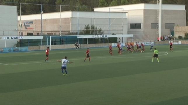 Falta ejecutada durante el partido de la primera vuelta entre Izarra y Mirandés NATV