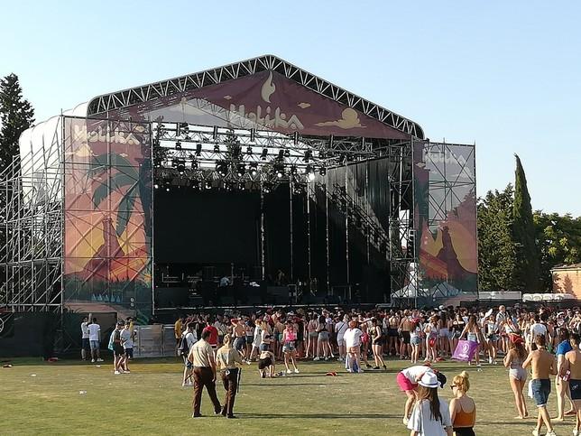 Éxito del festival Holika a pesar de las altas temperaturas