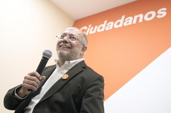 Luis Garicano apoya la candidatura de Igea