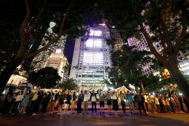 Hong Kong pide emanciparse de China con una cadena humana