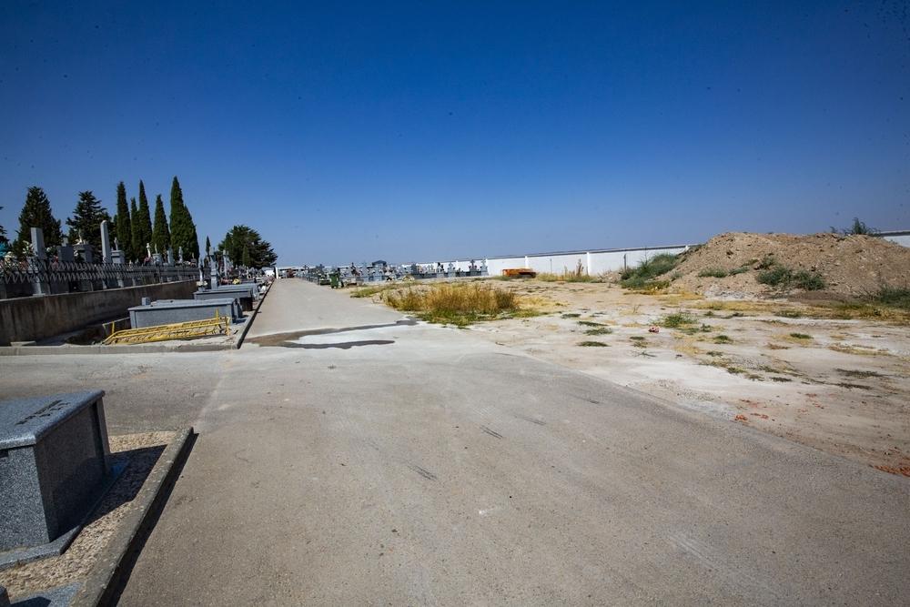 El cementerio se ampliará con 92 nichos y 24 columbarios