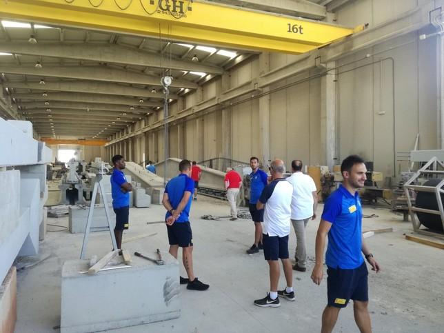 Jugadores, técnicos y directivos también visitaron las instalaciones de Formac.