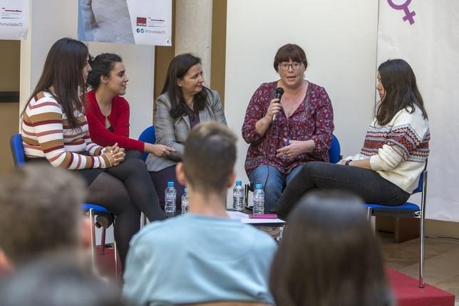 tratar de mermar la brecha de género en Wikipedia Yolanda Lancha