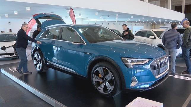 Los vehículos cero emisiones se abren al público en Pamplona