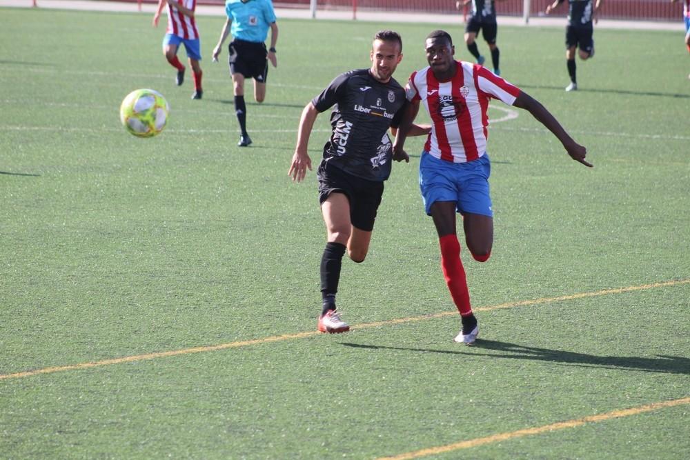 El Conquense perdió en Las Pedroñeras en el minuto 89 (2-1)