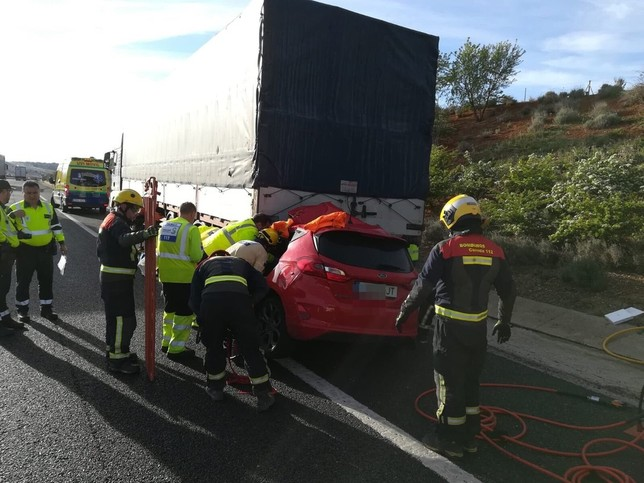 Una embarazada salva la vida en un accidente de la A-3