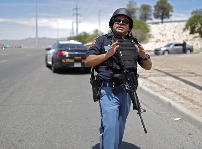 Varias víctimas mortales en un tiroteo aún activo en El Paso