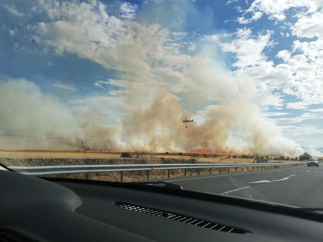 Un incendio obliga a cortar la N-110