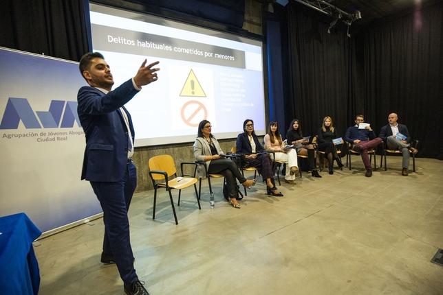 'Pequeños delincuentes' ahonda en la prevención Rueda Villaverde
