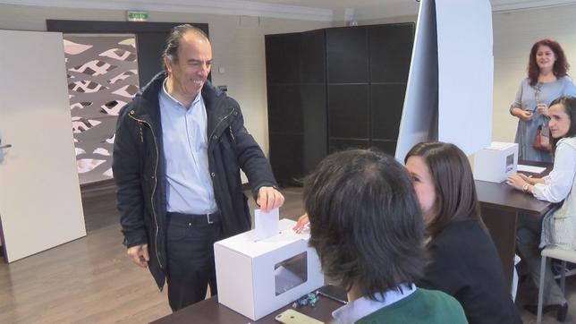 Sayas y Adanero, candidatos de 'Navarra Suma' al Congreso