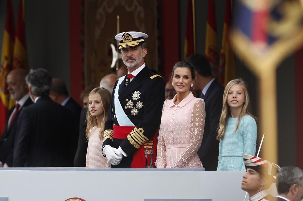 Los Reyes presiden el desfile del Día de la Fiesta Nacional
