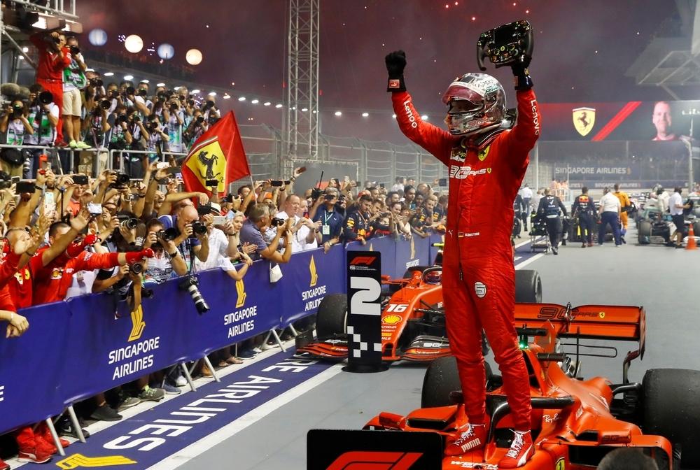 Vettel cierra su sequía en Singapur