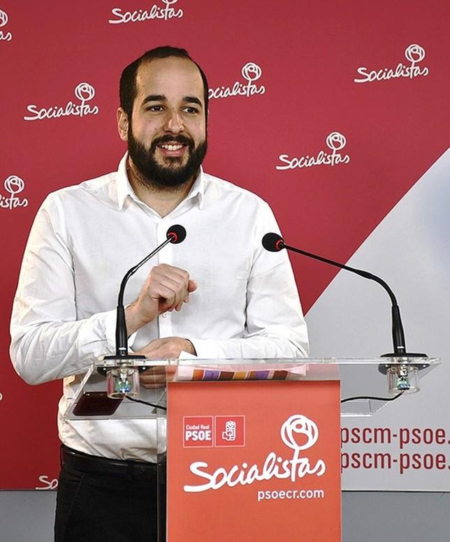 El PSOE busca en las Cortes a sus candidatos para el 28-A
