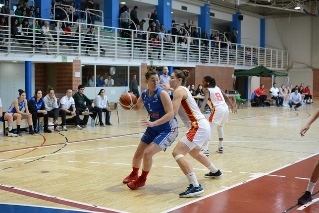 Diana Cabrera capturó 17 rebotes. Iñaki Martínez
