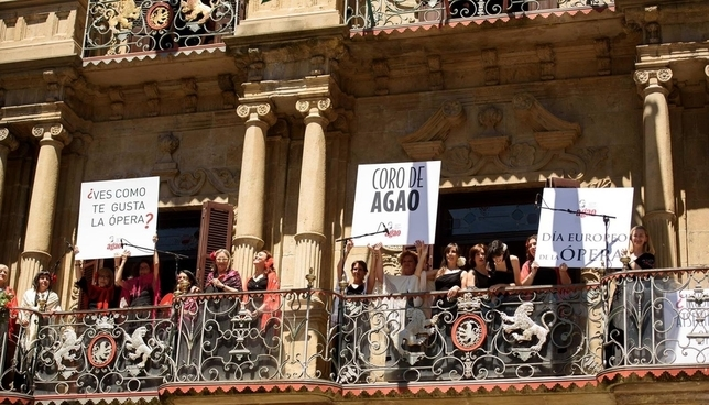 Las voces de AGAO, mañana en los balcones del Ayuntamiento