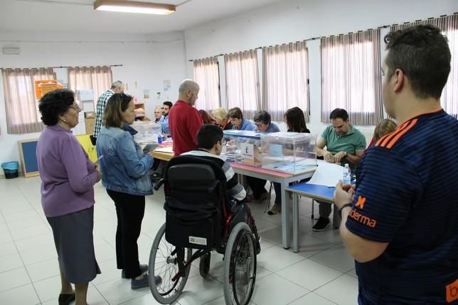 Carrizo ejerce el derecho al voto