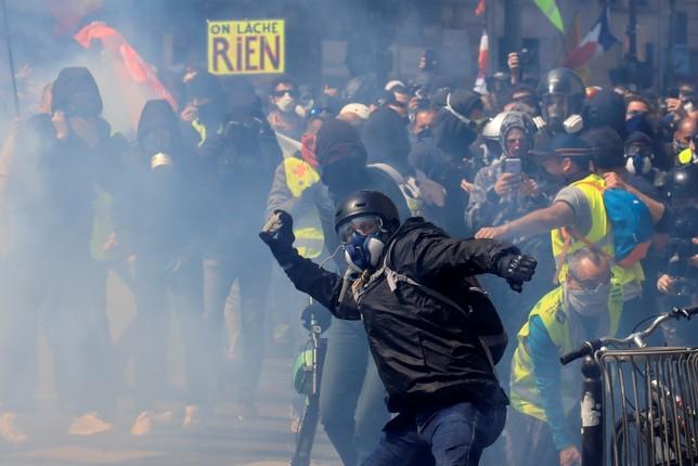 Las protestas del 1M dejan en París más de 160 detenidos GONZALO FUENTES