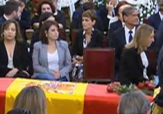 María Chivite acude al Congreso a despedir a Rubalcaba