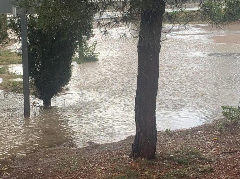 Graves daños por agua y granizo en cultivos de Pajares
