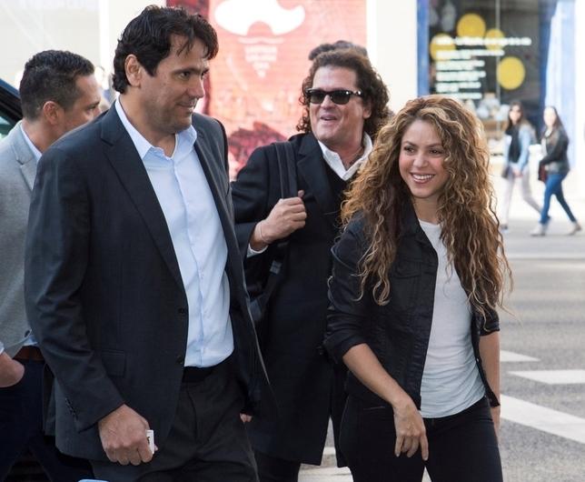 Shakira niega que plagiara 'La bicicleta'
