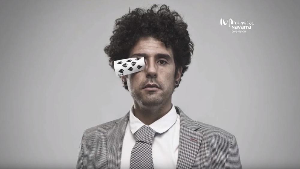 Miguel de Lucas pone la magia en los premios de Navarra TV
