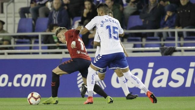 La movilidad y velocidad de Brandon amargó continuamente a la defensa del Tenerife LaLiga123