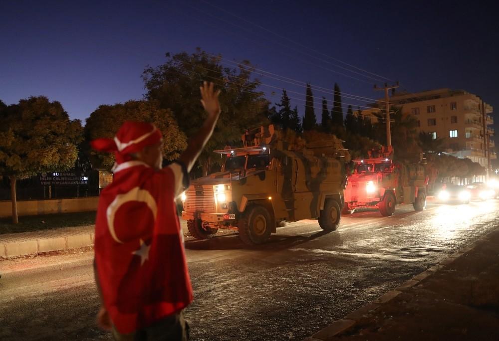 Turquía asegura haber tomado la primera ciudad en Siria