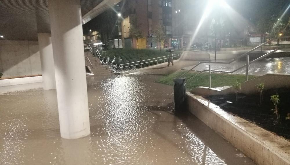 Nuevo paso de la La Pilarica completamente inundado.