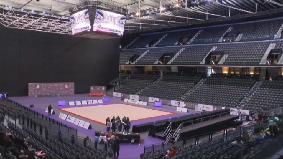 Al tapiz principal se suman otros seis de calentamiento en la parte del frontón del Navarra Arena