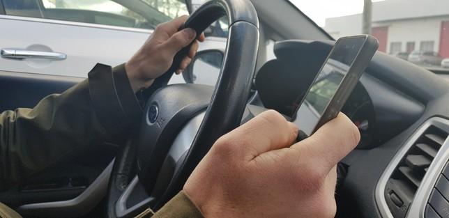 Navarra retoma la lucha contra el móvil al volante
