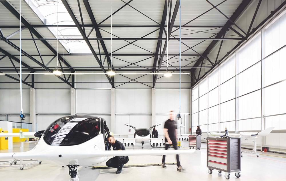 Un taxi que surca el cielo a más de 100 kilómetros por hora